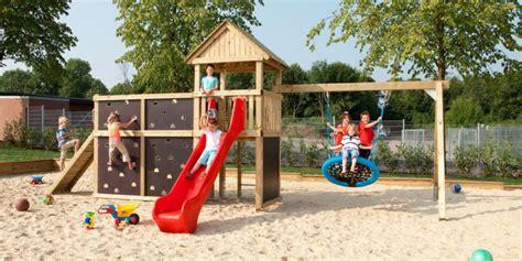 Leben Mit Kindern Spielgeraete Fuer Den Eigenen Garten by Kinder Spielger 228 Te Garten Spielturm Holz Ziller