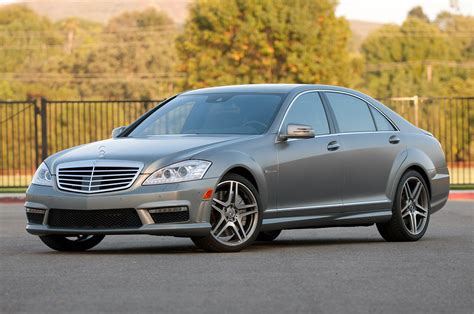 mercedes recalling 5 800 vehicles potential