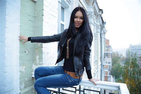 Brunettes Jeans Ukrainian Black Hair Macy Wallpapers