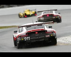 Porsche 911 Rsr 2017 : porsche 911 rsr and 911 gt3 r at 2017 imsa daytona 24 hours ~ Maxctalentgroup.com Avis de Voitures