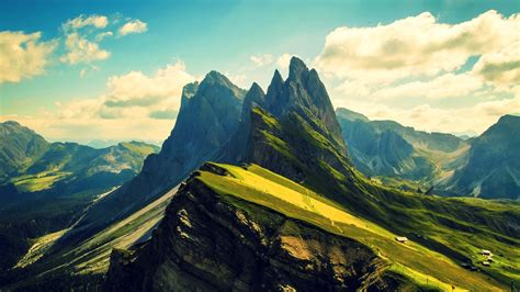 30 Wonderful Desktop Backgrounds - The WoW Style