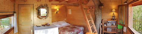 chambre d hote dans les arbres accueil chambre d 39 hôtes cabane perchée cabane dans les