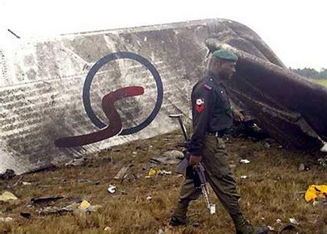 в 2005 м она была одной из 2 выживших в авиакатастрофе