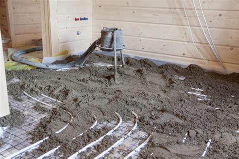 Estrich Beton Verlegen by Estrich F 252 R Eine Fu 223 Bodenheizung Darauf Kommt S An