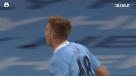 VIDEO: Liam Delap's first Man City goal - BeSoccer