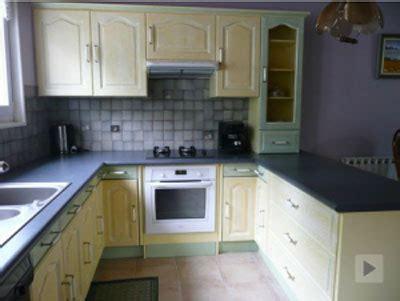 repeindre une cuisine rustique relooker une cuisine rustique 3 repeindre des meubles