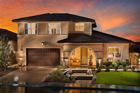 Incredible Elegant Traditional House  Home Design