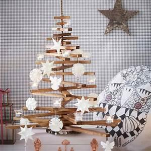 Weihnachtsbaum Aus Holzlatten : weihnachtsbaum aus holz basteln ~ Frokenaadalensverden.com Haus und Dekorationen