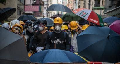 hong kong protests  weeks  pictures quartz