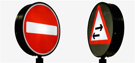 Lighter Lamp by Traffic Sign Led Internally Illuminated Traffic Sign