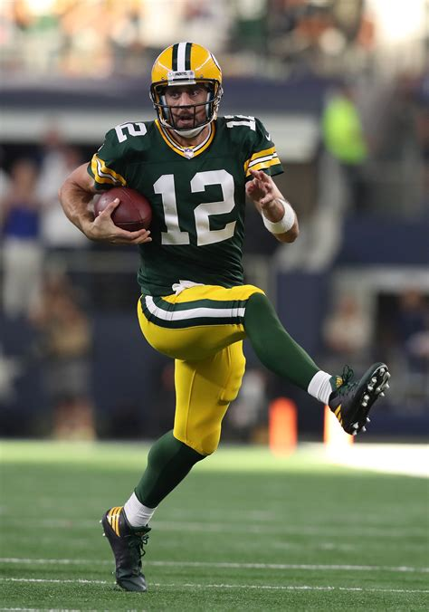 latest  aaron rodgers potential return