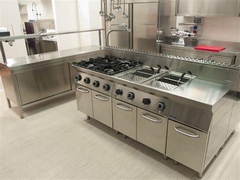 meuble inox cuisine pro meuble pour cuisine meuble cuisine pour four et lave