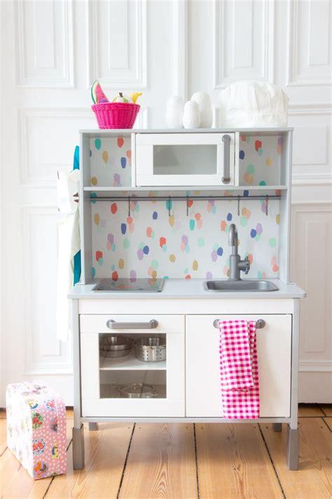 Kinder Küche Ikea by Die R 252 Ckwand Der Kinderk 252 Che Ikea Ganz Einfach