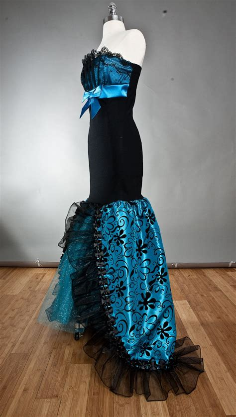 size small black  turquoise damask taffeta