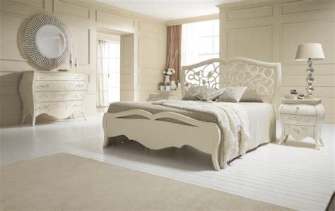 Trova una vasta selezione di set centrini a camere da letto a prezzi vantaggiosi su ebay. Camera classica rivisitata. Per uno stile senza tempo - Cose di Casa