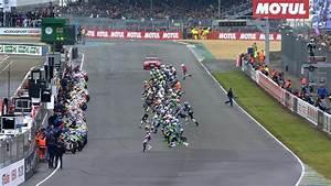 Heure Moto Gp : video 24 heures du mans d s le d part la premi re chute video eurosport ~ Medecine-chirurgie-esthetiques.com Avis de Voitures