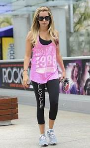 Workout outfits on Pinterest   Cute Workout Outfits Workout Outfits and Workout