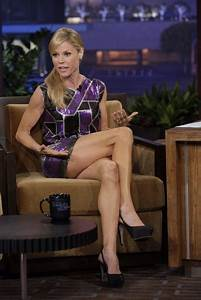 Julie Bowen showing off her legs | Cougars | Pinterest ...