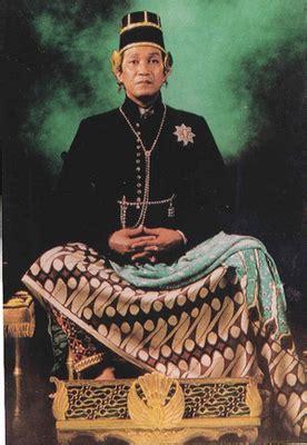 revealing royalty indonesias sultan sayoman galur