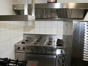 Küche Mit Kochinsel Gebraucht : gastronomieausstattung gebraucht mit biertresen bestuhlung ~ Michelbontemps.com Haus und Dekorationen