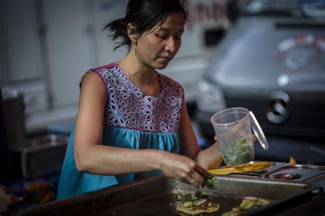 commis de cuisine bruxelles selene 100 mexicaine la cuisine à quatre mains
