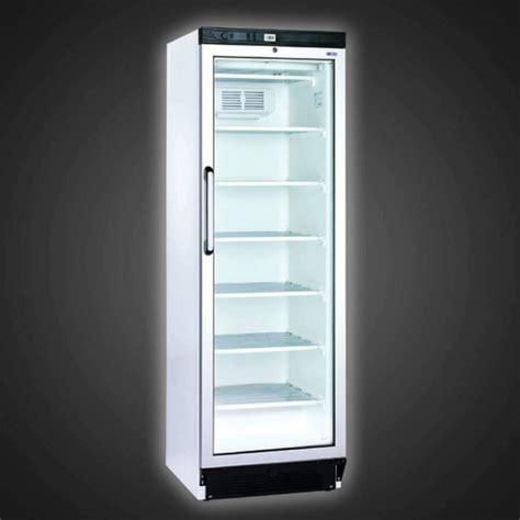 frigo vitrine pour la conservation des boissons avec porte