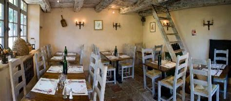 restaurant la tonnelle cirq lapopie la tonnelle cirq lapopie restaurant reviews phone number photos tripadvisor