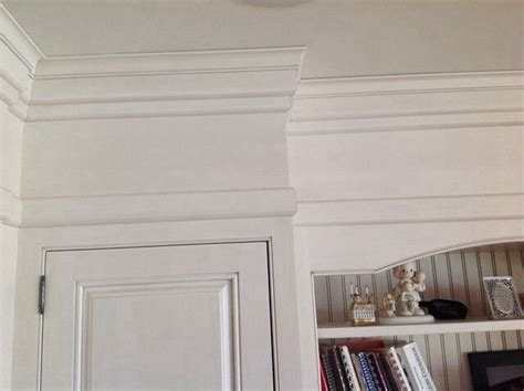 cabinets    moldings  ft ceilings