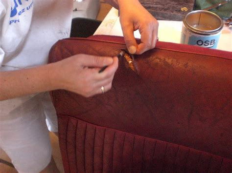 colle pour cuir canape comment reparer dechirure cuir