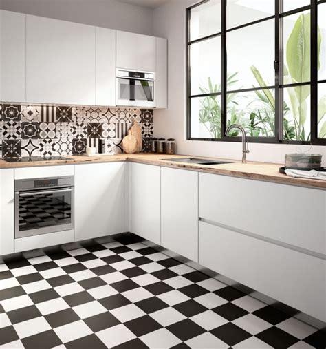 comptoir ciment cuisine cuisine avec carreaux de ciment carrelage brique cuisine relooker murs salon avec des