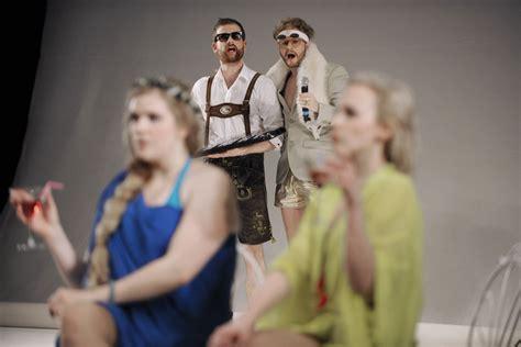 gruppe kostüme d 195 188 sseldorfer schauspielhaus bunbury oder ernst sein ist