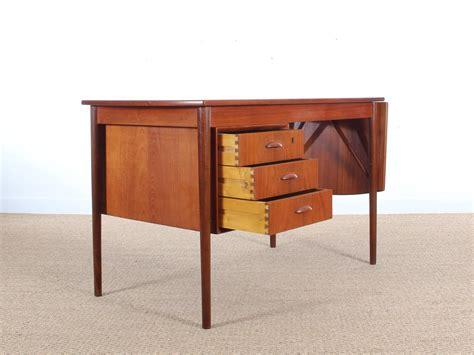 contemporary writing desk mid century modern writing desk in teak at 1stdibs