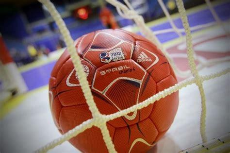 Jēkabpils Sporta skolas handbolistes virslīgas mačā uzvar ...