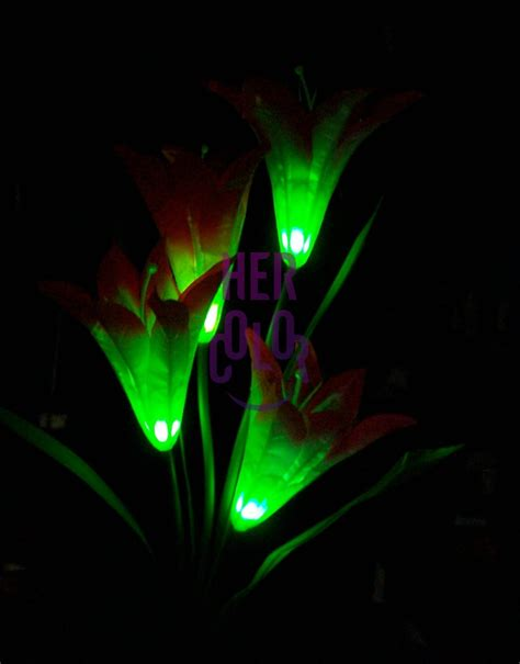 flower solar led garden stake light color changing