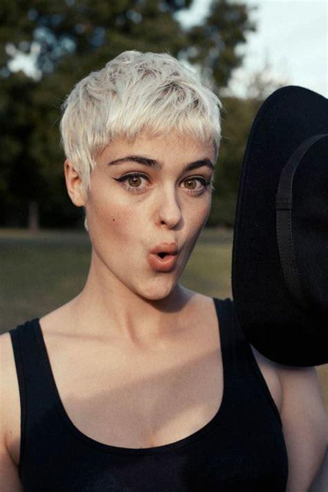 cheveux court femme 114 magnifiques photos de coiffure courte archzine fr