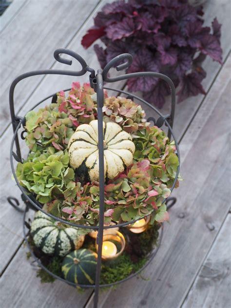 Herbstliche Deko Garten by Herbstliche Deko Im Garten Mit Zierk 252 Rbissen Und