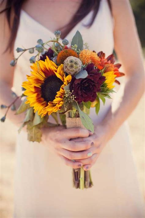 27 Stunning Wedding Bouquets For November Wedding For