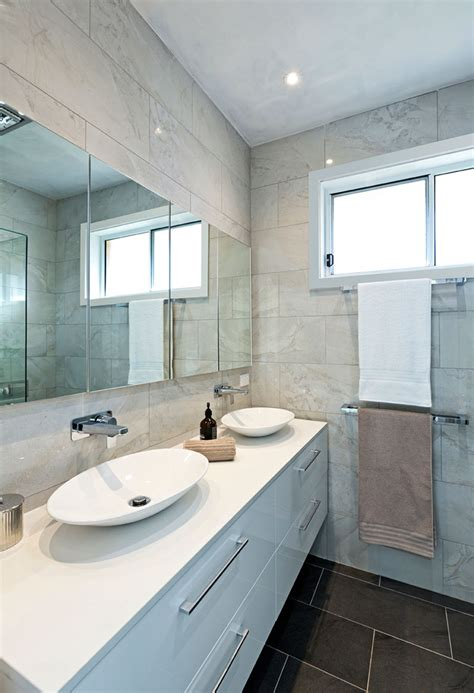 Small Bathroom Make by 19 Tricks To Make A Small Bathroom Look Bigger