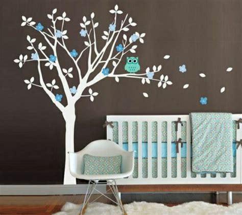 decorer chambre bebe 16 stickers muraux pour bien décorer la chambre de bébé