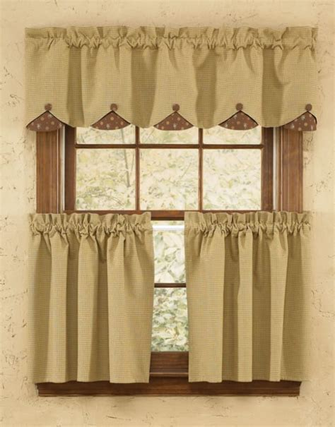 Grandma's Quilt Lined Scalloped Curtain Valance