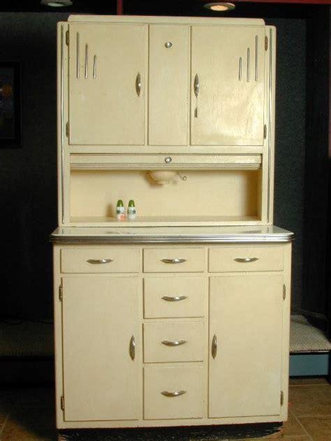 retro kitchen cabinet best 25 1930s kitchen cabinets 1930