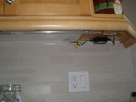 undercabinet lighting is this right