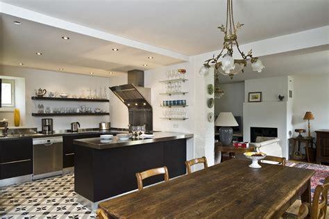 cuisine et bains magazine cuisine blottie dans l 39 alcôve cuisines et bains