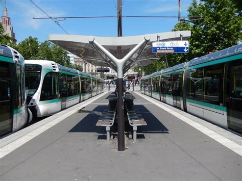 panoramio photo of t2 tramway porte de versailles june 2013