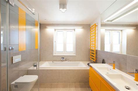 bagno moderno con vasca bagno con vasca e doccia iash