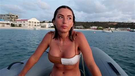 elayna carausu bikini pokies 1