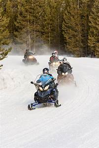Photos of Trail Riding Snowmobilers - GoSnowmobiling.org