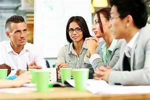 Working Casual Meeting 20773380 | Optimal