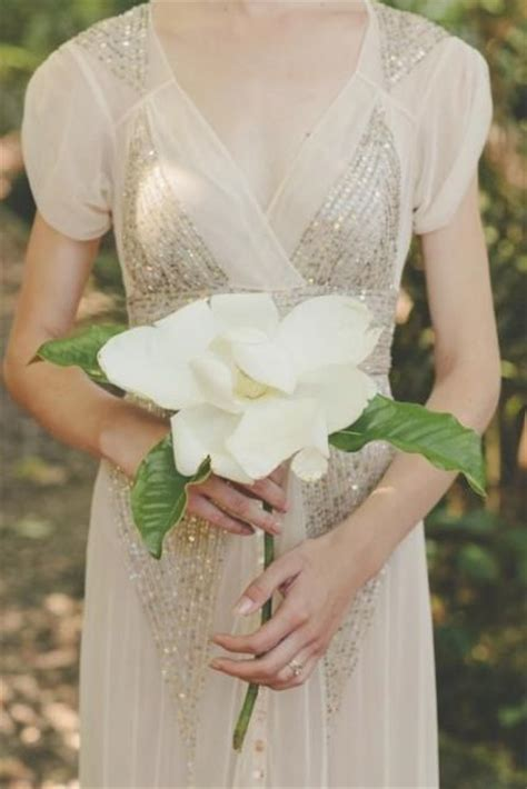 chic ideas  incorporate magnolias   wedding