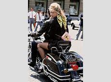 Fotolia DE » Die britische Vogue wird 100